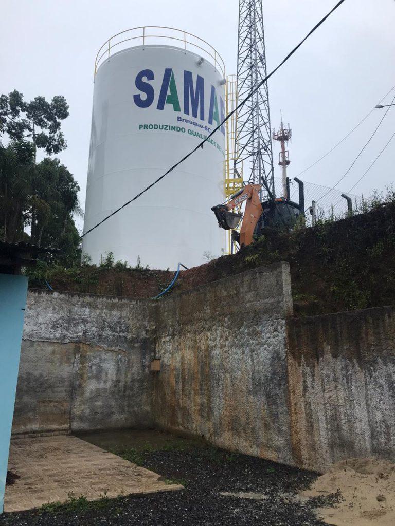 Reservatório do Samae no bairro Azambuja.