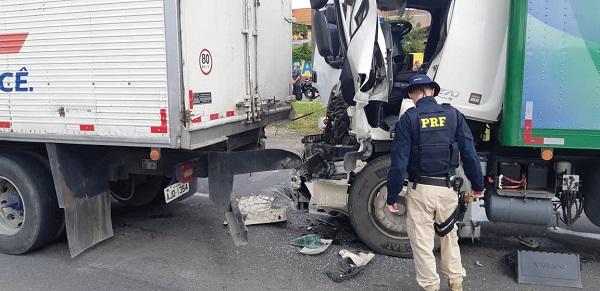 Brusquense morre em acidente na BR-476 em Curitiba