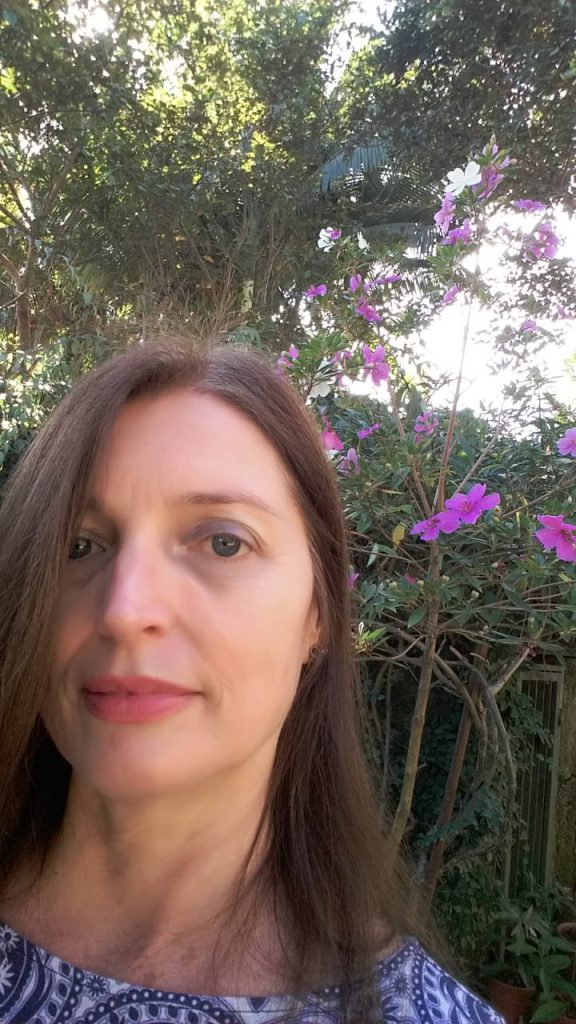 Bibliotecária Suzana Mafra