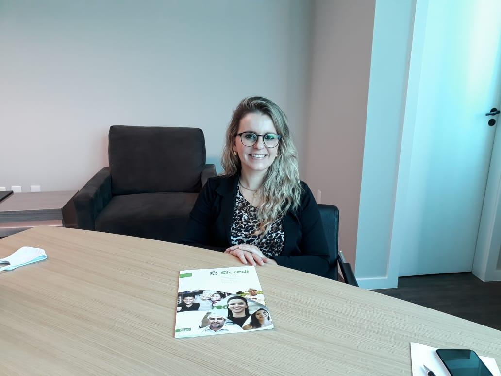 Gerente Sicredi, Silvane Baréa, concedeu entrevista ao Jornal da Diplomata.