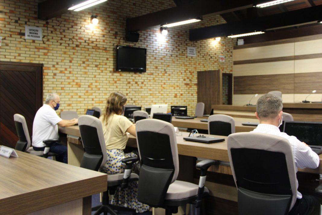 Câmara deliberou sobre projetos de lei, pedidos de informação, moções e um requerimento na Ordem do Dia