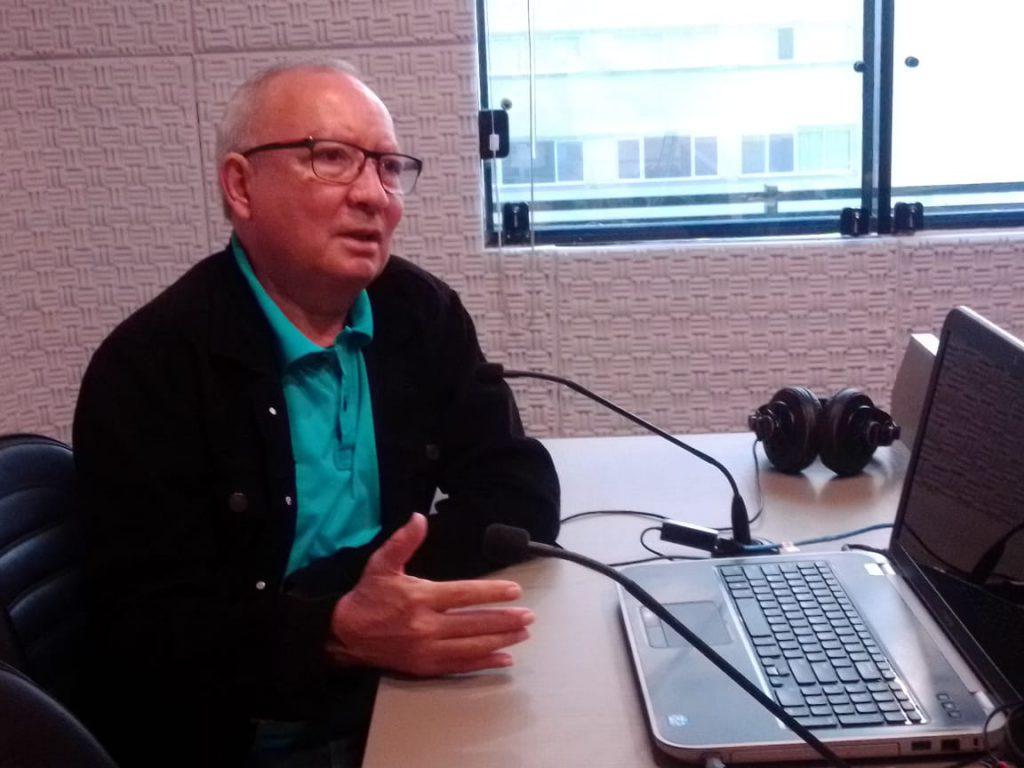 Professor Reinaldo Cordeiro em entrevista ao Jornal da Diplomata na manhã deste sábado, 13
