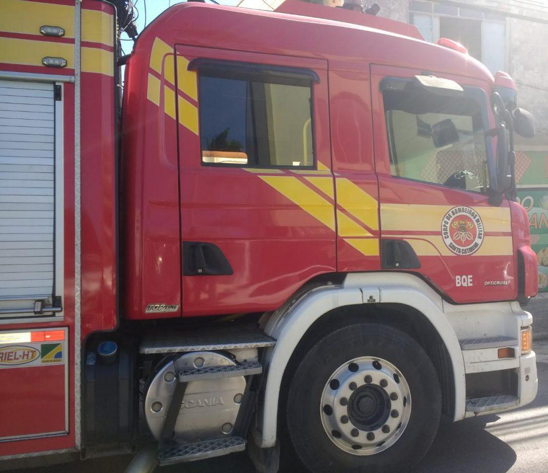 Princípio de incêndio em lanchonete no Centro de Brusque, no final de manhã de sábado, 20 (Foto: Corpo de Bombeiros)