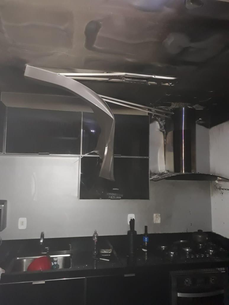 o sinistro atingiu um apartamento do residencial Flores do Campo, bloco C, no segundo andar