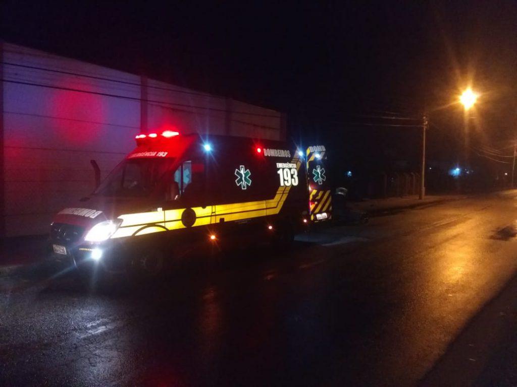 Acidente na rua Davi Hort registrado na manhã desta terça-feira (2). Foto: Corpo de Bombeiros