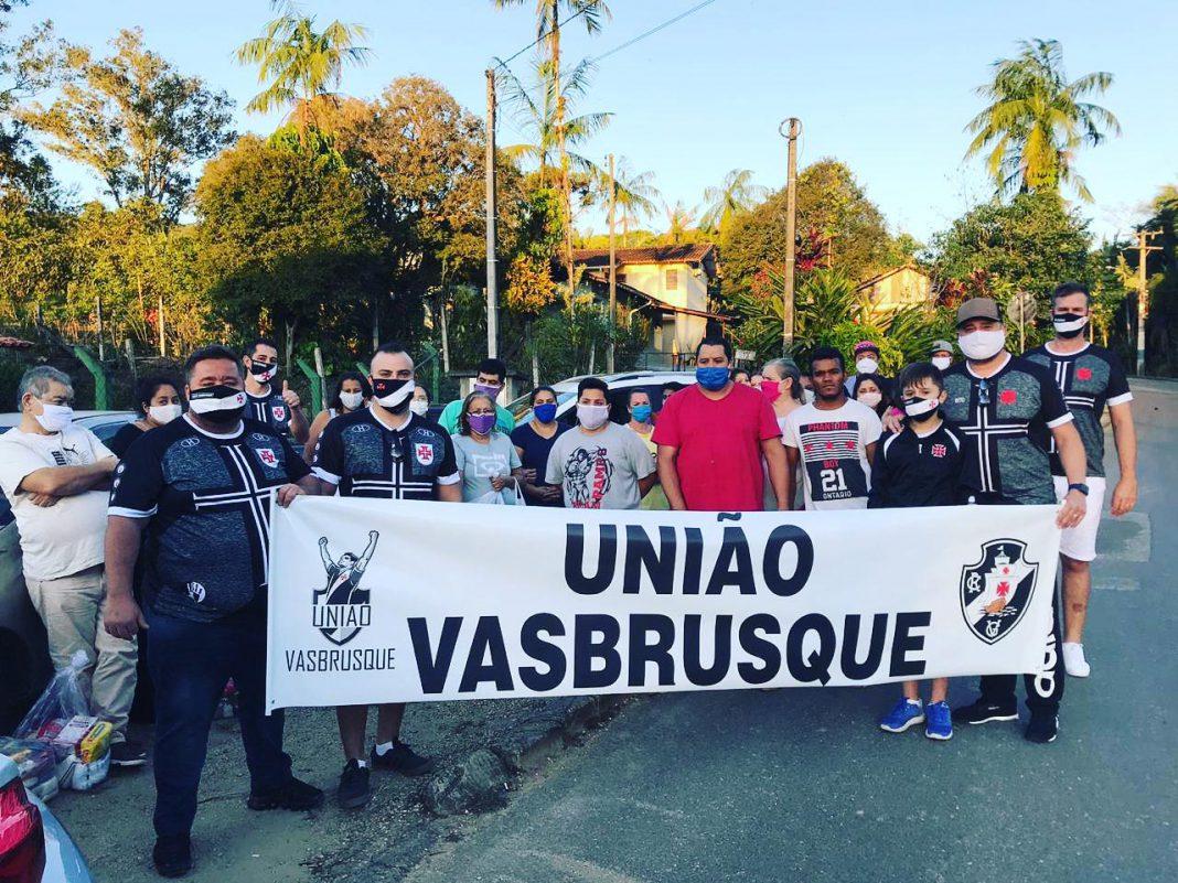 VasBrusque faz ações solidárias em apoio à PM e em comunidades carentes