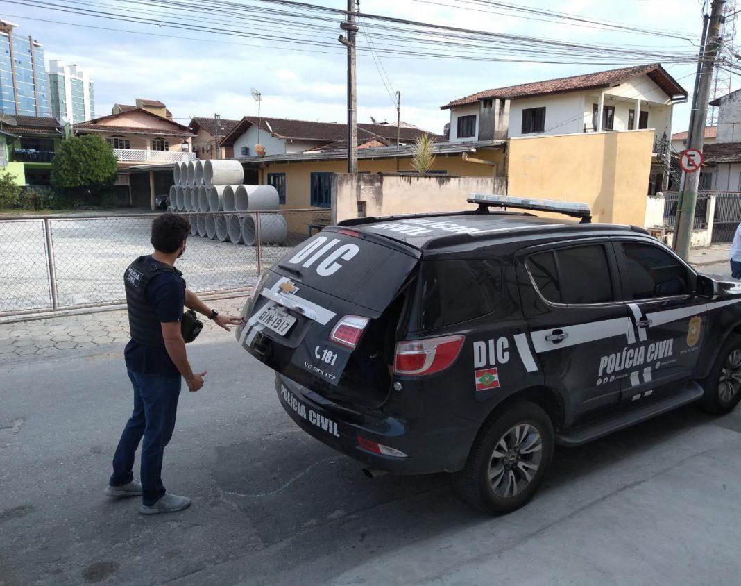 Polícia Civil recaptura casal foragido da UPA de Brusque