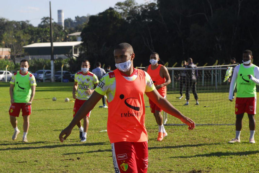 Brusque realiza treino no CT visando retorno do estadual