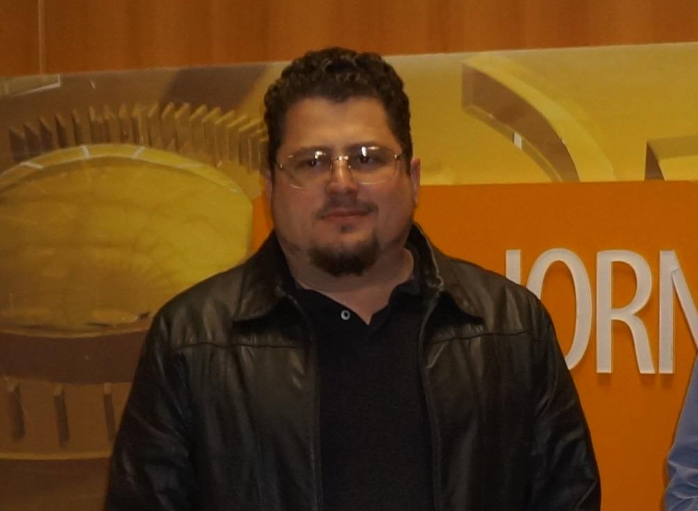 Ronei Zancanaro, aos 42 anos, nesta sexta-feira, (10), em Brusque, após diagnóstico de Covid-19.