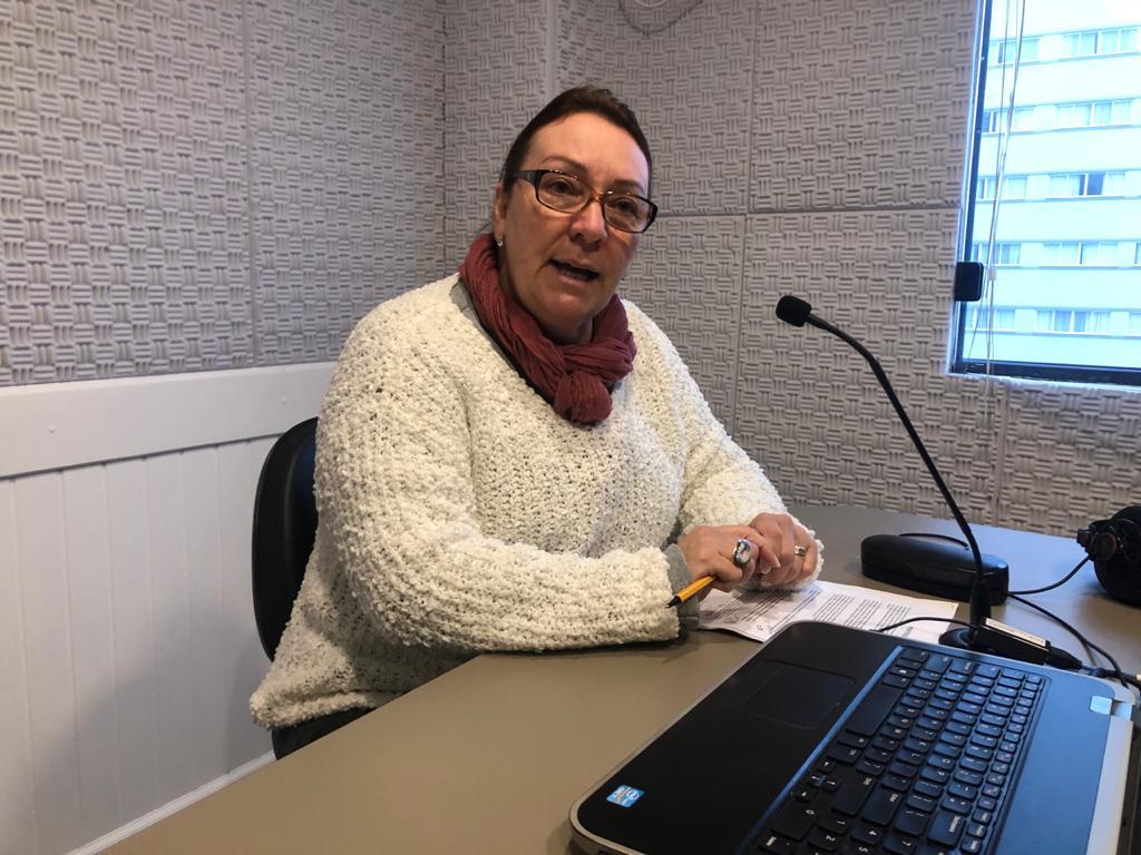 Secretária Municipal de Educação Eliane Busnardo Buemo