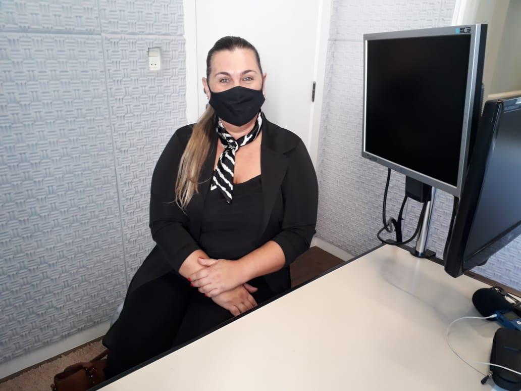 A coordenadora do CIEE, Cátia Maffezzolli, em entrevista ao Jornal da Diplomata.