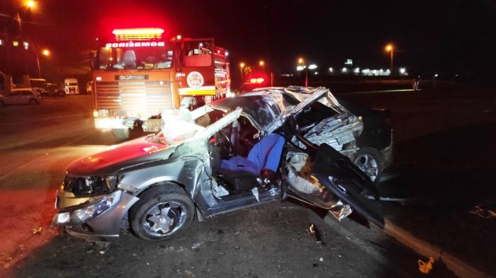 Carro com placas de Brusque se envolve em acidente na BR-470, em Taió