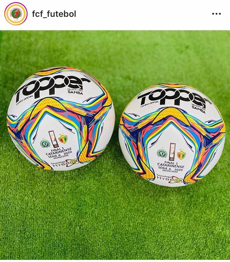 Bola personalizada para a final do Catarinense