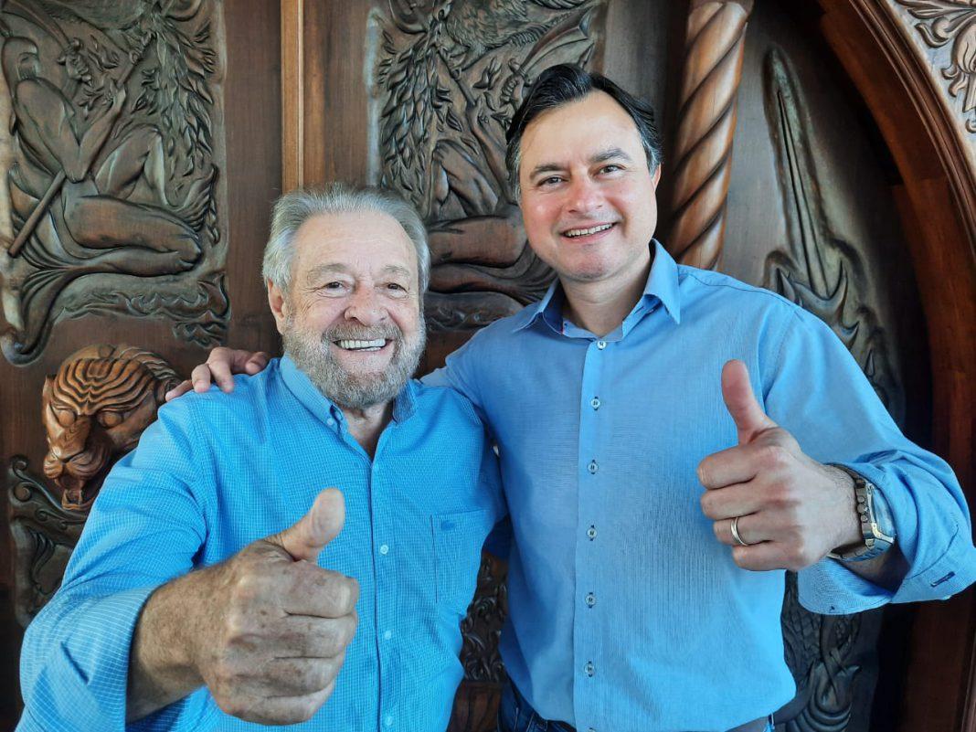Ciro Rosa recebendo apoio do empresário Michel Belli nas eleições 2020