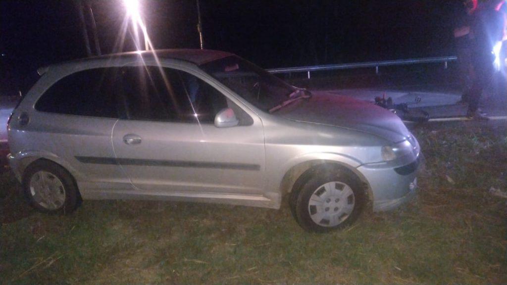 Veículo Celta envolvido no acidente (Foto: PRE)