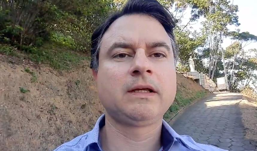 Michel Bell fala na rede social sobre decisão de desistência da pré-candidatura à vice-prefeito