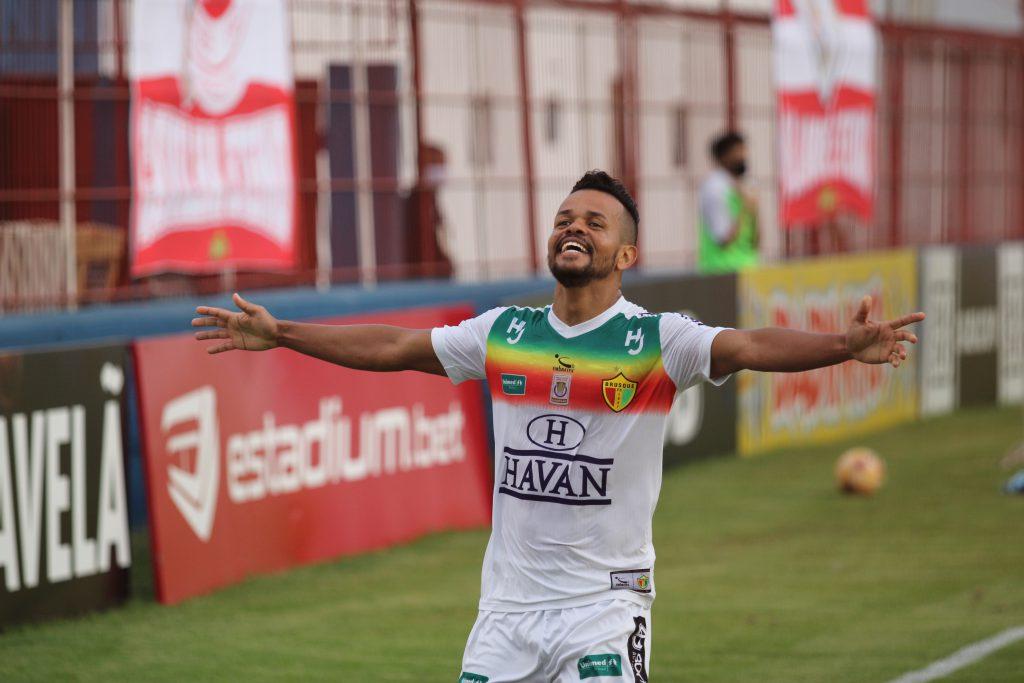Airton marcou o gol da vitória do Brusque sobre o São Bento-SP (Foto: Lucas Gabriel Cardoso/BFC)