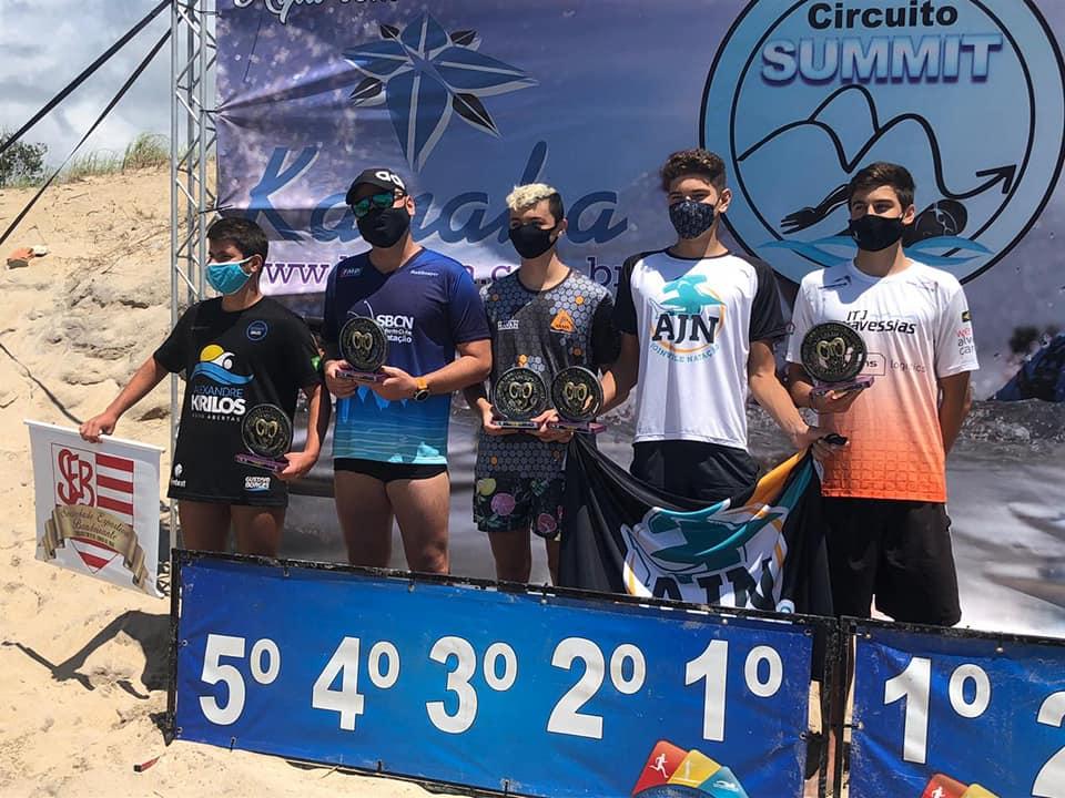 Pódio do Circuito Summit de Travessias em Balneário Barra do Sul (Foto: Divulgação)