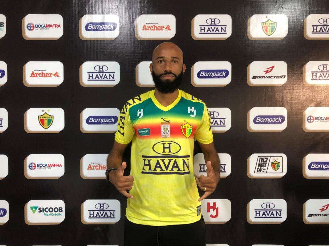 Atacante Anderson Francisco Nunes