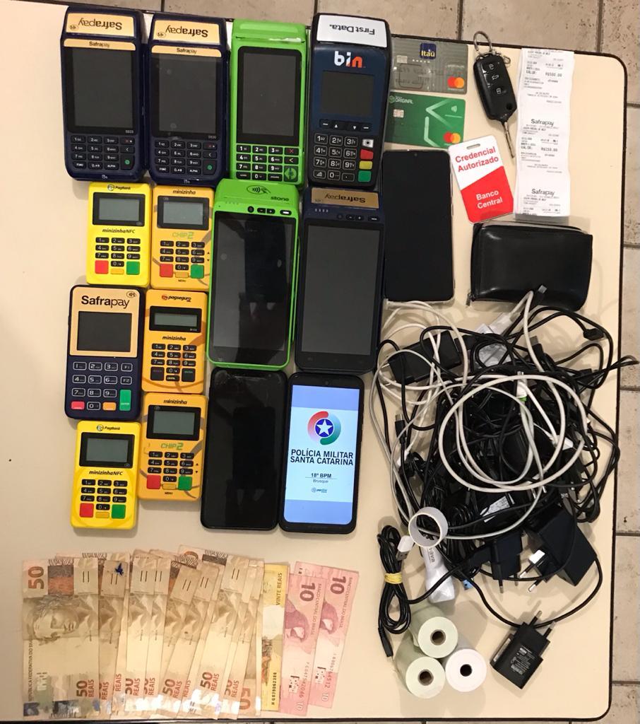 Polícia Militar apreendeu máquinas e cartões de créditos usados em estelionato