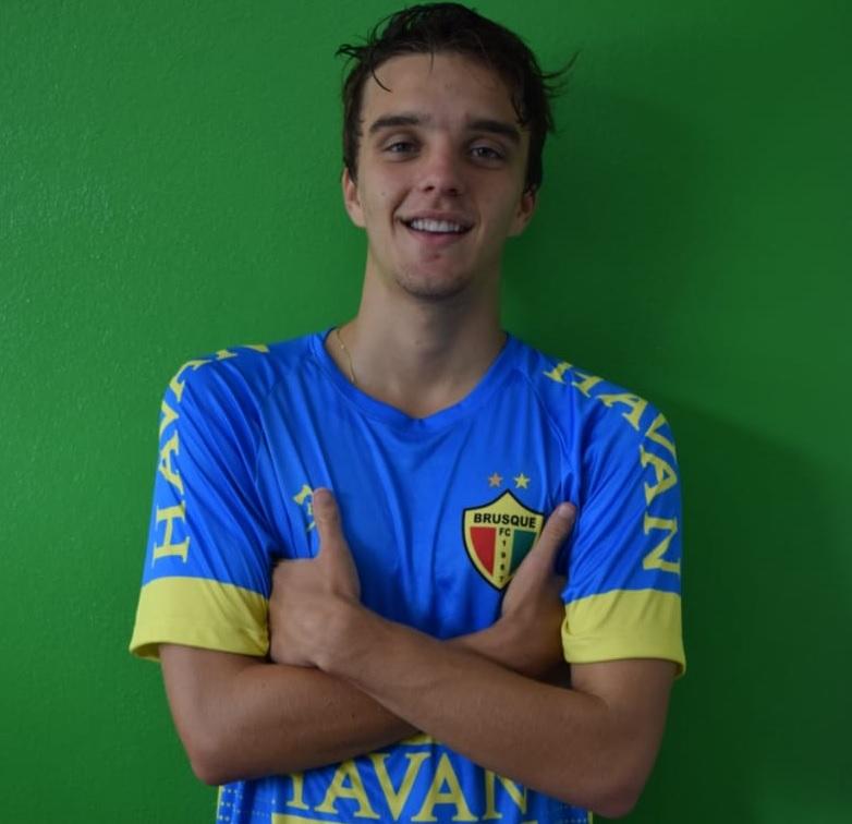 volante Pedro Maines, conhecido como Pepê