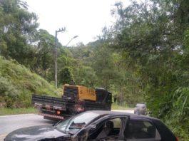 Polícia Rodoviária registrou acidente na SC 108 na manhã de hoje, 16 (Foto: PRE-SC)
