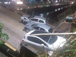 Segundo informações, três veículos passam pela ponte na hora que a cabeceira cedeu (Foto: Divulgação)